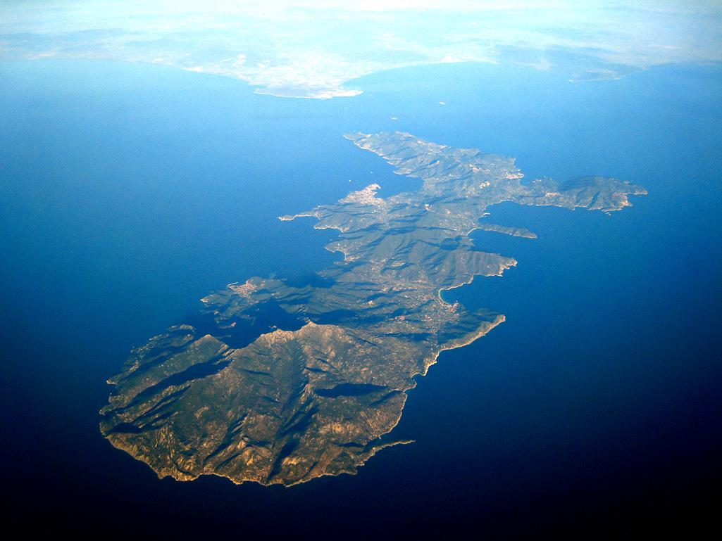 vista dell'isola d'Elba dall'alto